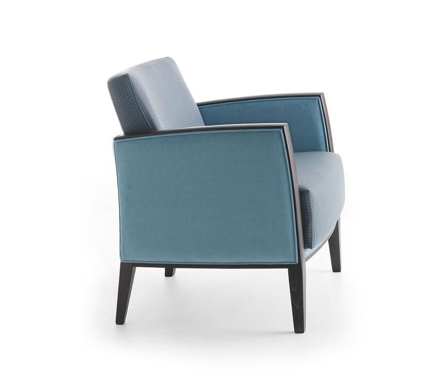 Montbel seating Newport 01841