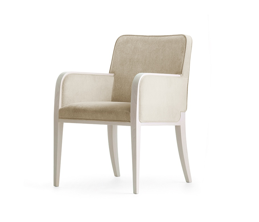 Montbel seating Opera 02231